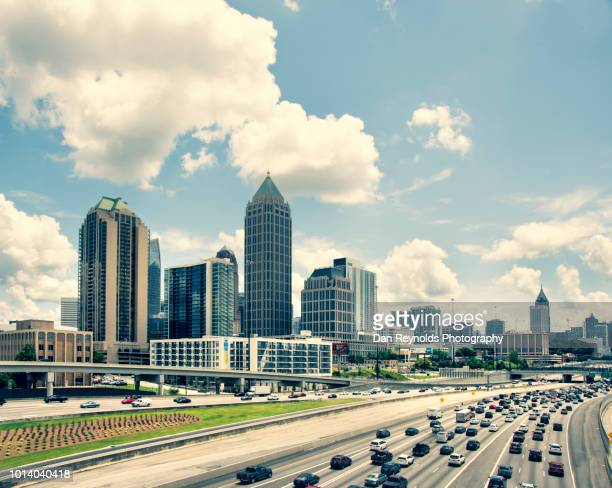 usa, georgia, atlanta, cityscape with skyscrapers - atlanta bildbanksfoton och bilder