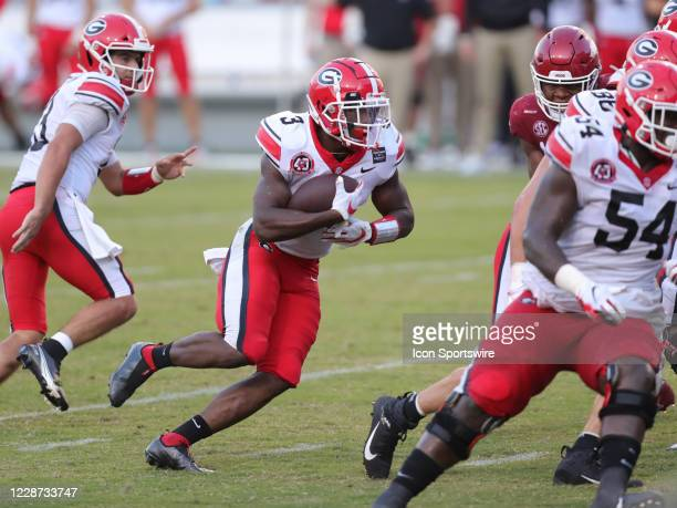 Georgia Bulldogs running back Zamir White rushes the ball during the football game between the Arkansas Razorbacks and the Georgia Bulldogs on...