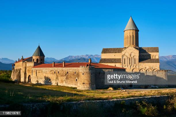 georgia, caucasus, kakheti region, alaverdi monastery - klooster stockfoto's en -beelden