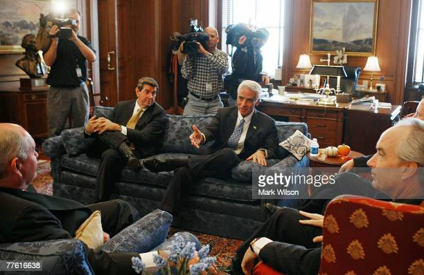 Georgia Governor Sonny Perdue Alabama Governor Bob Riley and Florida Governor Charlie Crist participate in a meeting with Secretary of the Interior...
