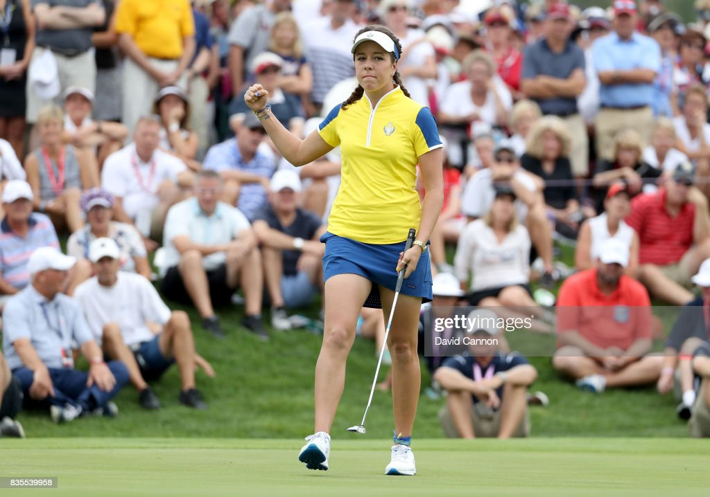 Georgia Hall of England celebrates holing the match winning putt in her match with Anna Nordqvist of Sweden against Stacy Lewis and Gerina Piller of the United States Team during the morning fousomes matches in the 2017 Solheim Cup at Des Moines Golf Country Club on August 19, 2017 in West Des Moines, Iowa.