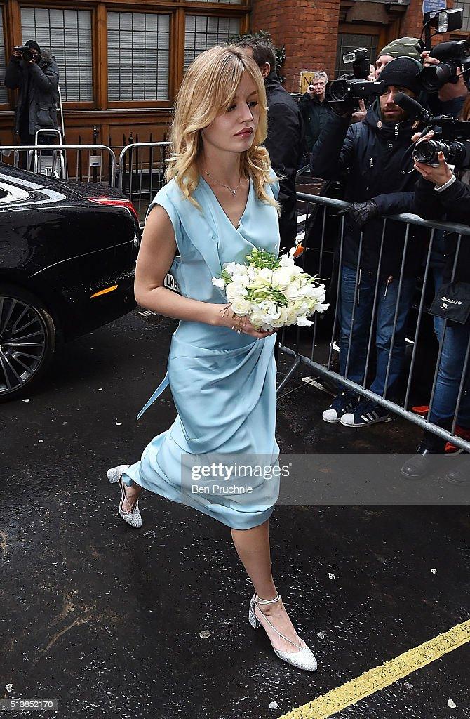 Jerry Hall Marries Media Mogul Rupert Murdoch At St Brides Church : News Photo