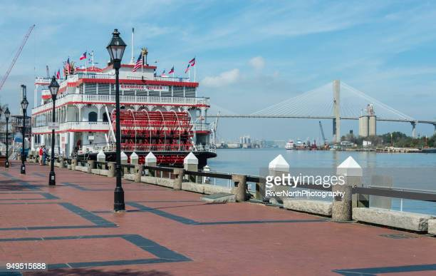 georgia queen riverboat in savannah - savannah stock pictures, royalty-free photos & images