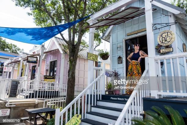 Georgia, St. Simons Island, Pier Village District, Shops at Pier Village Market, Golden Isles Bracelet Company.