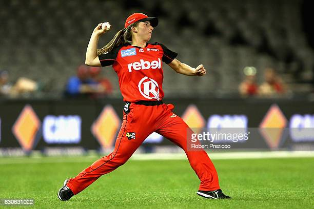 Georgia Wareham of the Renegades fields the ball during the WBBL match between the Renegades and Scorchers at Etihad Stadium on December 29 2016 in...