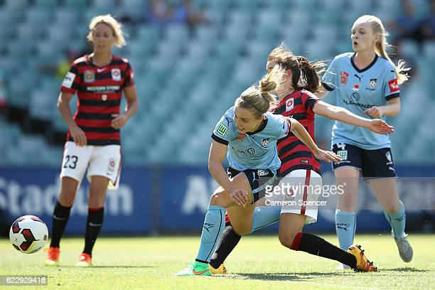 Georgia YeomanDale of Sydney FC and Rachel Lowe of the Wanderers contest the ball during the round two WLeague match between Sydney FC and the...