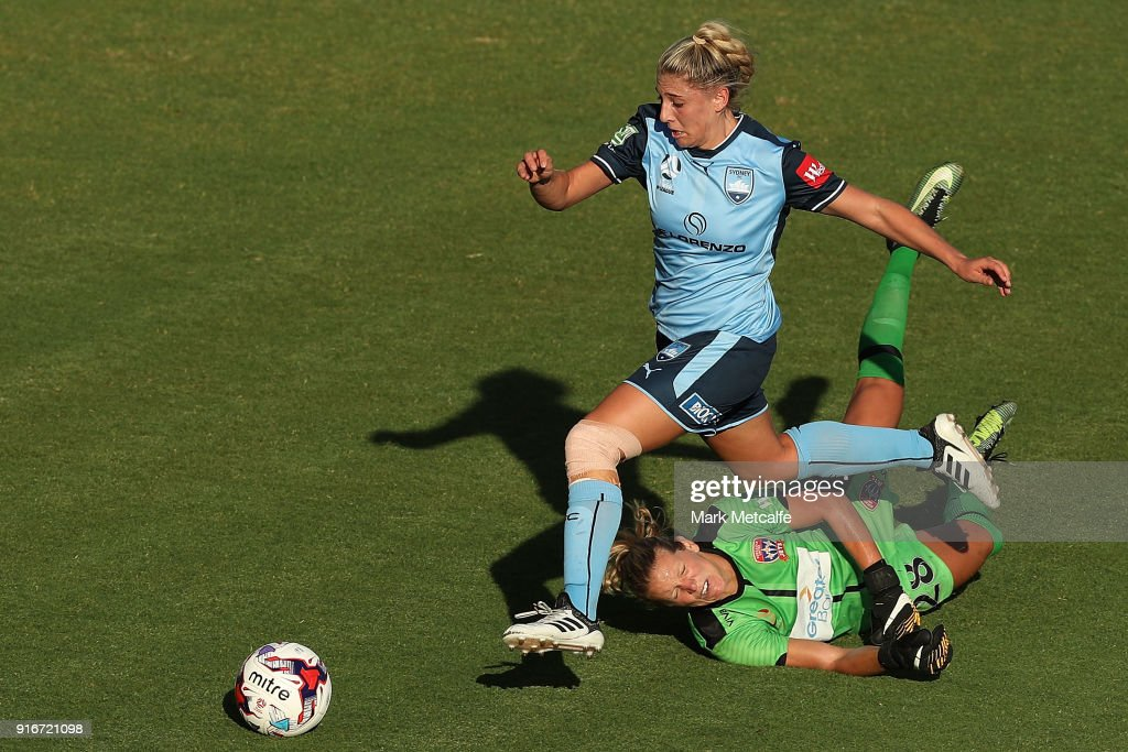 Georgia Yeoman-Dale of Sydney FC takes on Britt Eckerstrom of Newcastle Jets during the W-League semi final match between Sydney FC and the Newcastle Jets at Leichhardt Oval on February 10, 2018 in Sydney, Australia.