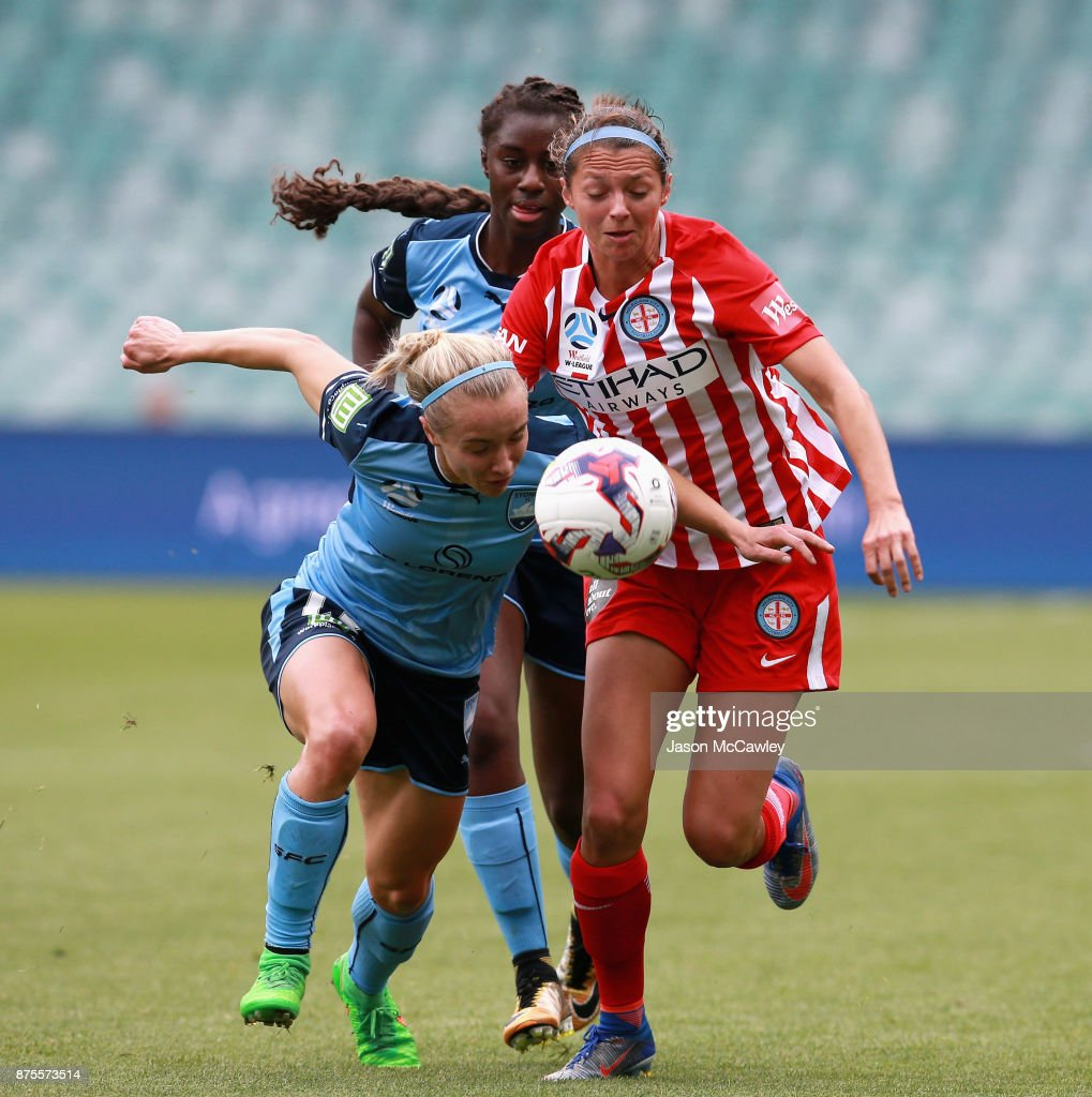 Georgia Yeoman-Dale of Sydney is challenged by Ashley Hatch of Melbourne during the round four W-League match between Sydney and Melbourne City at Allianz Stadium on November 18, 2017 in Sydney, Australia.