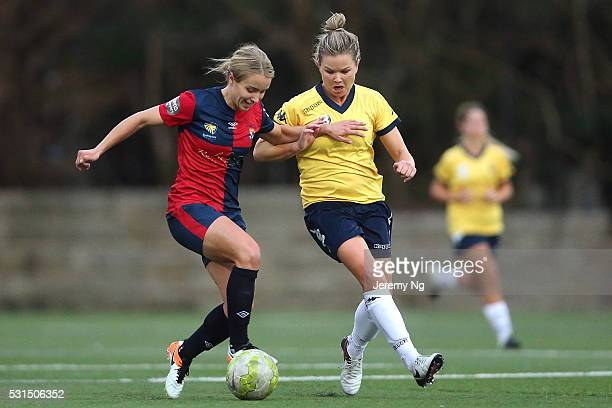 Georgia YeomanDale of Sydney University and Kate Hensman of the Mariners challenge for possession during the NPL 1 NSW Womens Round 6 match between...