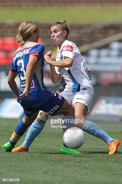 Georgia YeomanDale of the Jets contests the ball with Stephanie Catley of Melbourne City during the round nine WLeague match between the Newcastle...