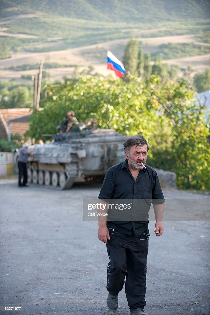 Russian Troops Remain In Georgia During Fragile Ceasefire : News Photo