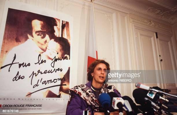 Georgina Dufoix lors d'une rencontre avec la presse le 7 février 1992 à Paris France