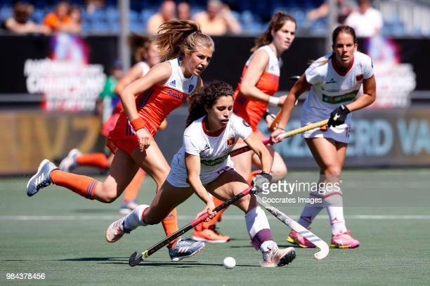 Georgina Oliva of Spain Women Xan de Waard of Holland Women during the Rabobank 4Nations trophy match between Holland v Spain at the Hockeyclub Breda...