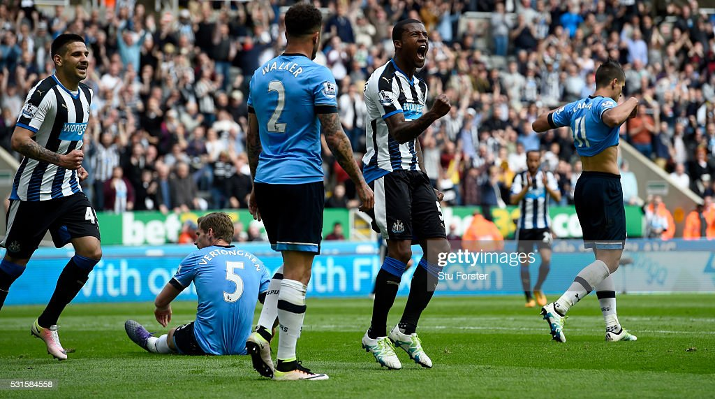 Georginio Wijnaldum celebrates after scoring the first Newcastle goal during the Premier League match between Newcastle United and Tottenham Hotspur at St James' Park on May 15, 2016 in Newcastle upon Tyne, England.