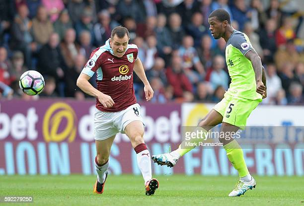 Georginio Wijnaldum of Liverpool shoots during the Premier League match between Burnley and Liverpool at Turf Moor on August 20 2016 in Burnley...