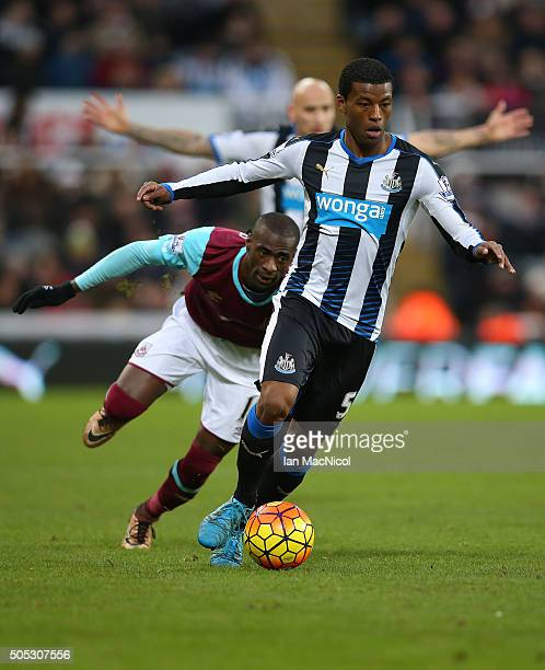 Georginio Wijnaldum of Newcastle United controls the ball during the Barclays Premier League match between Newcastle United and West Ham United at St...