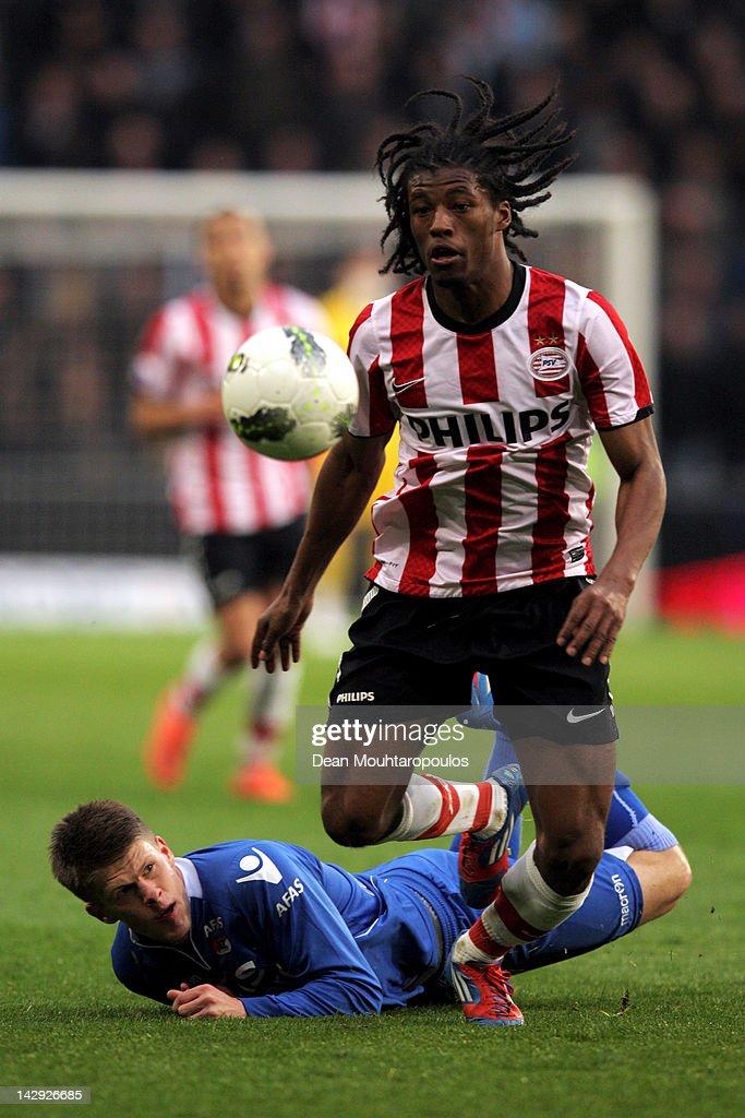 Georginio Wijnaldum of PSV and Johann Berg Gudmundsson of ...