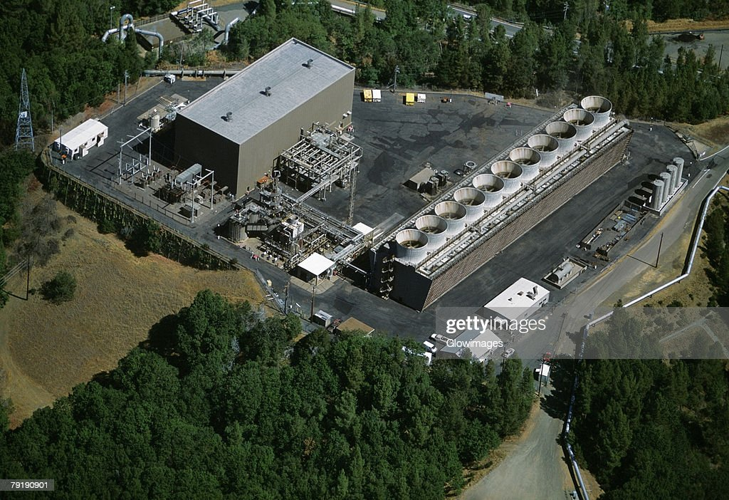 Geothermal power plant, The Geysers, California  : Foto de stock