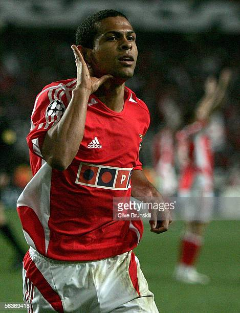 Geovanni of Benfica celebrates scoring during the UEFA Champions League group D match between Benfica and Manchester United on December 7 2005 at the...
