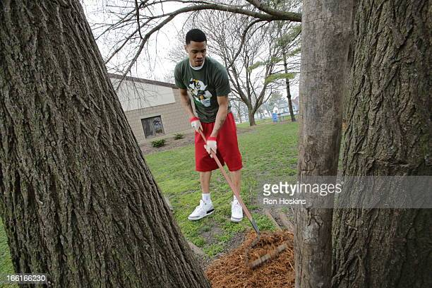 Gerald Green of the Indiana Pacers joined with Republic Services and partnered with Concord Neighborhood Center to Go Green in celebration of the...