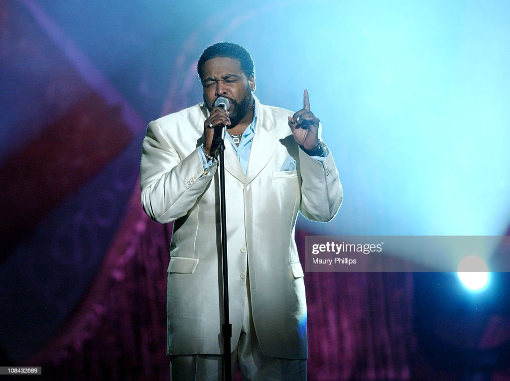 The 17th Annual Soul Train Music Awards - Show : News Photo
