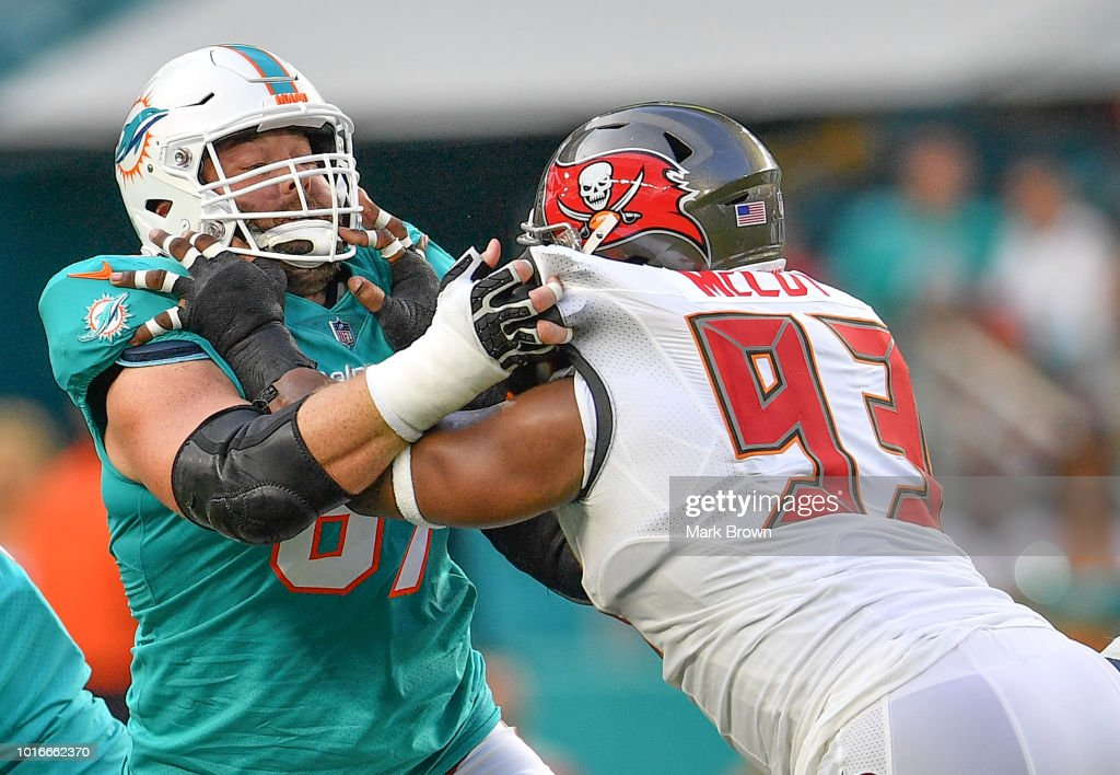 Tampa Bay Buccaneers v Miami Dolphins : News Photo