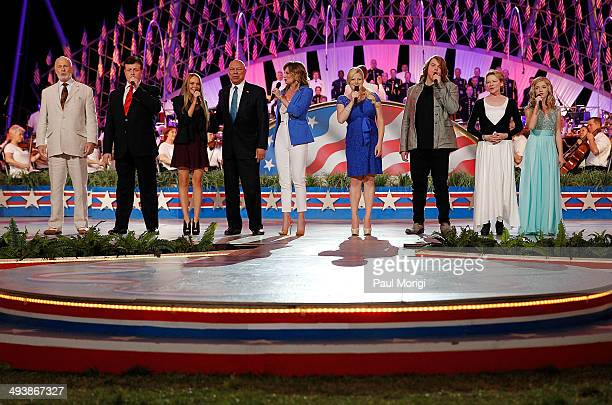 Gerald McRaney Anthony Kearns Danielle Bradbery Colin Powell Jennifer Nettles Megan Hilty Caleb Johnson Dianna Wiest and Jackie Evancho onstage at...