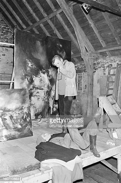 Geraldine Chaplin During The Shooting Of The Film 'L'adoption' Directed By Marc Grunebaum En Lozère à Nasbinals en avril 1978 lors du tournage du...