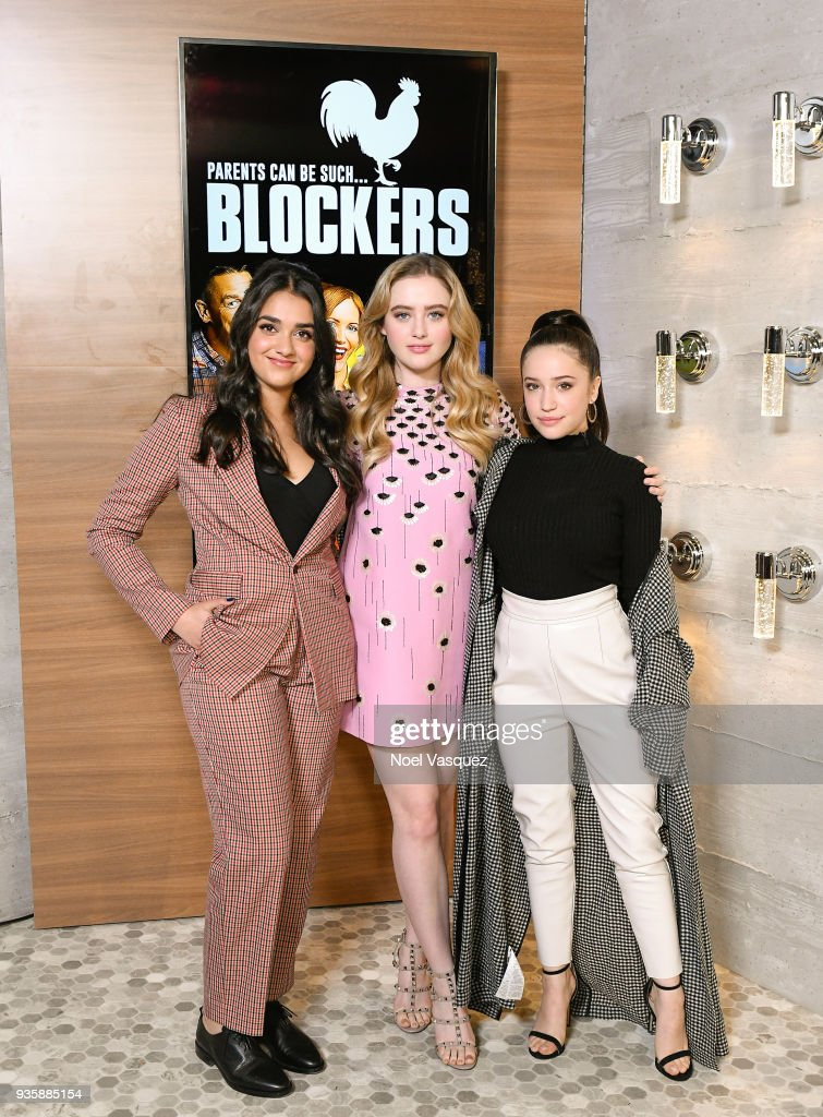 "The Stars Of ""Blockers"" Visit ""Extra"""
