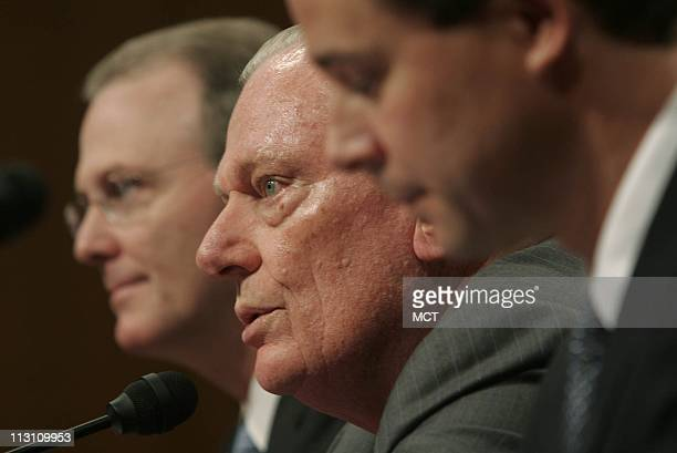 Gerard Arpey chairman of American Airlines from left Herb Kelleher chairman of Southwest Airlines and Kevin Cox COO of DallasFort Worth International...