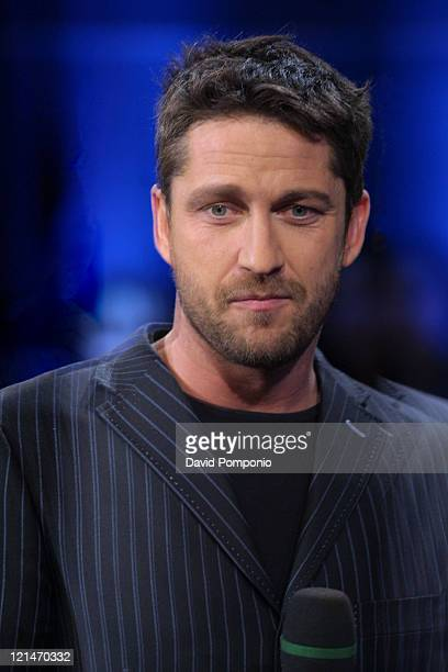 Gerard Butler during Gerard Butler and Maroon 5 Visit Fuse's 'Daily Download' December 14 2004 at Fuse Studios in New York City New York United States