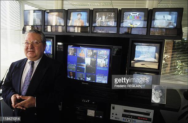 Gerard Carreyrou In His Office TF1 On December 13th 1992