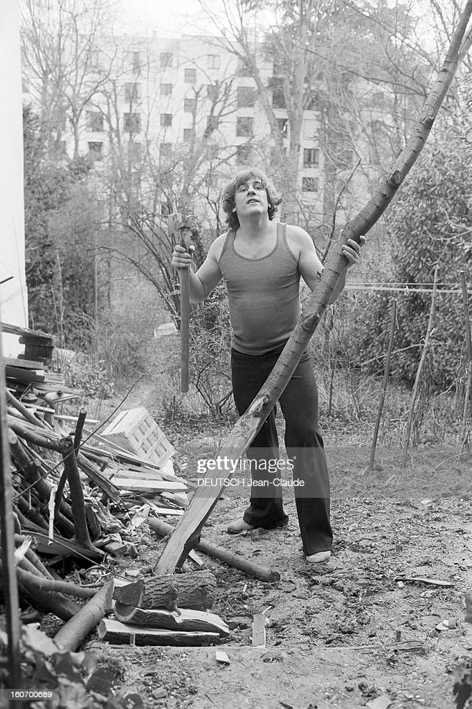 Gerard Depardieu And His Wife Elisabeth At Home In Bougival : News Photo