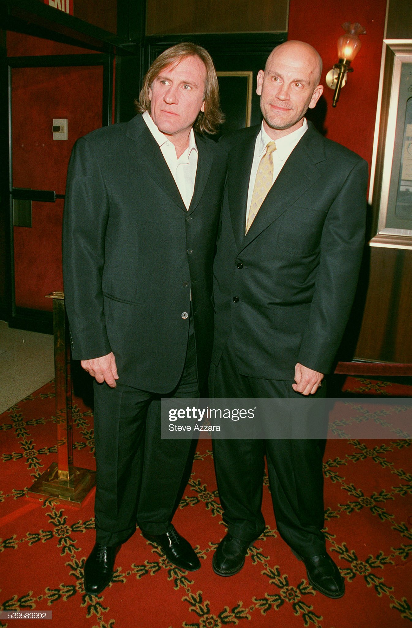 ¿Cuánto mide Gerard Depardieu? - Altura - Real height Gerard-depardieu-and-john-malkovich-at-the-ziegfeld-theater-picture-id539589992?s=2048x2048