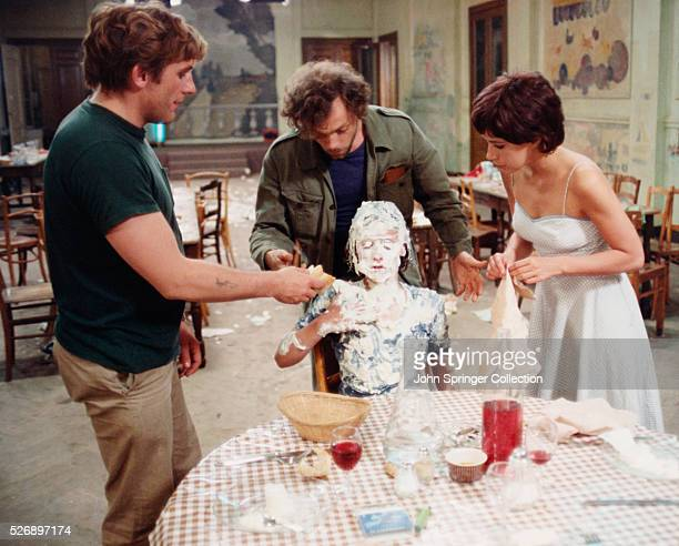 Gerard Depardieu as Raoul Patrick Dewaere as Stephane Riton Liebman as Christian Beloeil and Carole Laure as Solange in the 1978 film Preparez vos...