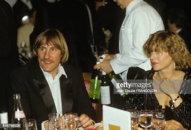Gerard Depardieu et Elisabeth Depardieu a un diner au Festival International du Film le 12 mai 1984 a Cannes France