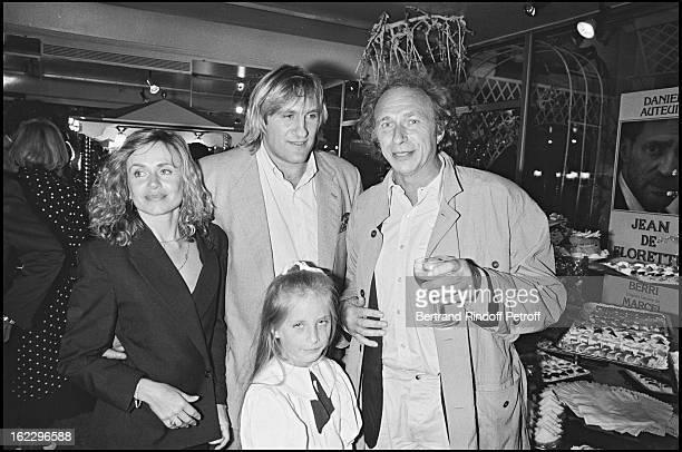 Gerard Depardieu, Pierre Richard, Elisabeth and Julie Depardieu at Jean De Florette film premiere in Paris, 1986.