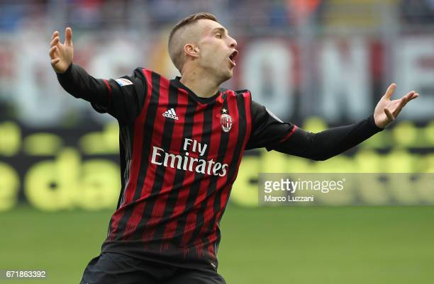 Gerard Deulofeu of AC Milan reacts during the Serie A match between AC Milan and Empoli FC at Stadio Giuseppe Meazza on April 23 2017 in Milan Italy