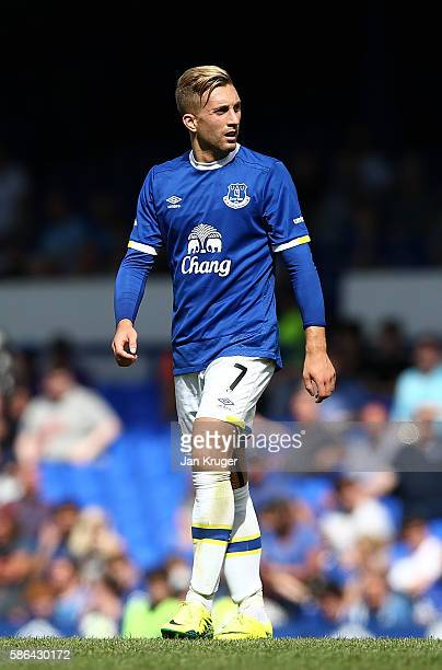 Gerard Deulofeu of Everton in action during the preseason friendly match between Everton and Espanyol at Goodison Park on August 6 2016 in Liverpool...