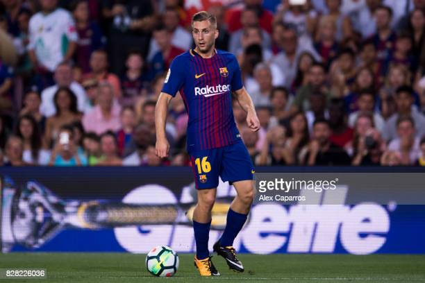 Gerard Deulofeu of FC Barcelona conducts the ball during the Joan Gamper Trophy match between FC Barcelona and Chapecoense at Camp Nou stadium on...