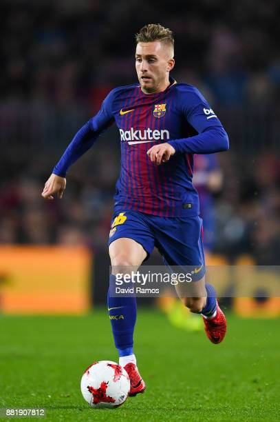 Gerard Deulofeu of FC Barcelona runs with the ball during the Copa del Rey round of 32 second leg match between FC Barcelona and Real Murcia at Camp...