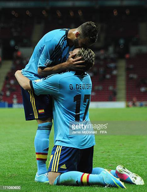 Gerard Deulofeu of Spain celebrates his goal with Jese during the FIFA U20 World Cup Group A match between USA and Spain at the Ali Sami Yen Arena on...