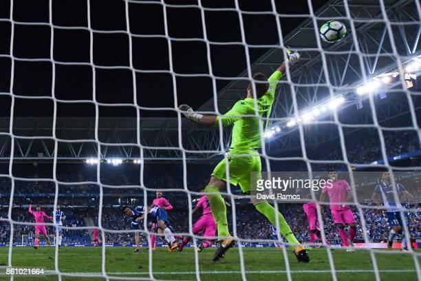 Gerard Moreno of RCD Espanyol scores a disallowed goal during the La Liga match between Espanyol and Levante at CornellaEl Prat stadium on October 13...