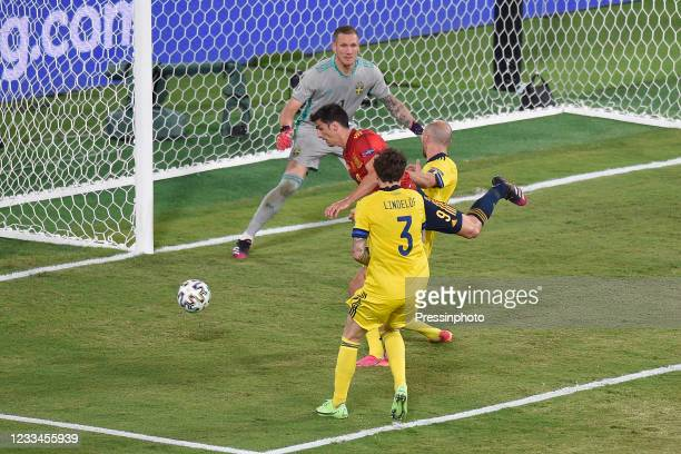 Gerard Moreno of Spain and Marcus Danielson of Sweden during the match between Spain and Sweden of Euro 2020, group E, matchday 1, played at La...