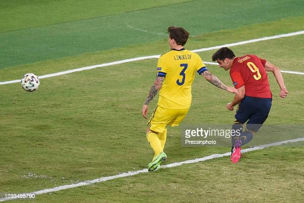 Gerard Moreno of Spain and Victor Nilsson Lindelof of Sweden during the match between Spain and Sweden of Euro 2020, group E, matchday 1, played at...