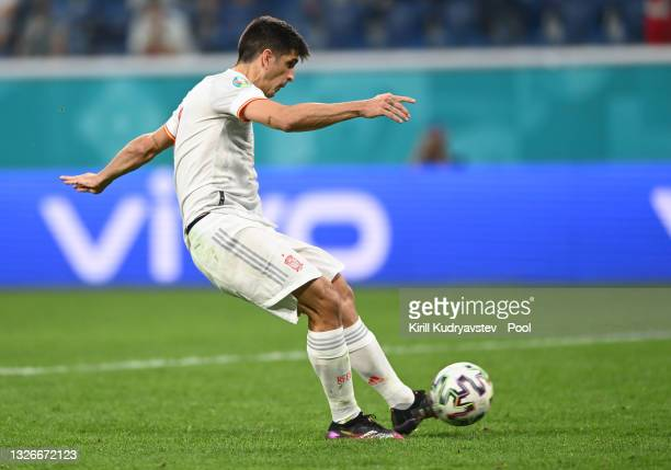 Gerard Moreno of Spain scores their team's fourth penalty in a penalty shoot out during the UEFA Euro 2020 Championship Quarter-final match between...