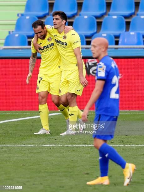 Gerard Moreno of Villarreal celebrates 1-3 with Paco Alcacer of Villarreal during the La Liga Santander match between Getafe v Villarreal at the...