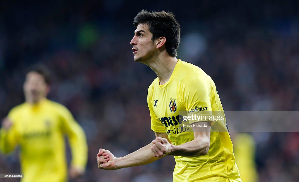 Gerard Moreno of Villarreal celebrates after scoring during the La Liga match between Real Madrid CF and Villarreal CF at Estadio Santiago Bernabeu on March 1, 2015 in Madrid, Spain.