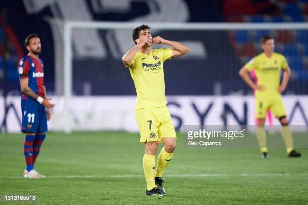 Gerard Moreno of Villarreal CF celebrates after scoring his team's second goal during the La Liga Santander match between Levante UD and Villarreal...