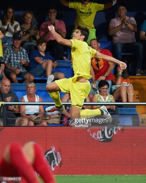 Gerard Moreno of Villarreal CF celebrates his goal during the La Liga match between Villarreal CF and Real Sociedad at La Ceramica Stadium on August...